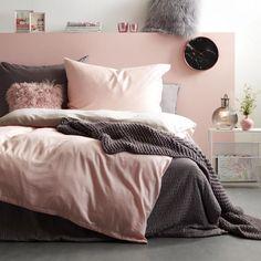 Kuscheldecke gestrickt Rosa - Jetzt entdecken Sofa, Couch, Comforters, Blanket, Bed, Furniture, Home Decor, Living Area, Cuddling
