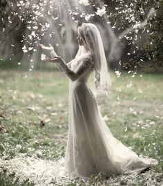 Stunning, Magical, Ethereal - There is something almost unearthly about this picture - Wedding Photography to Inspire