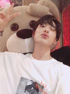 ♡ ྀ junhee Korean Boys Ulzzang, Ulzzang Boy, Namjoon, Korea Boy, Asian Boys, Asian Men, Boyfriend Material, Handsome Boys, K Idols
