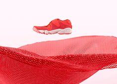 An der Silhouette des Nike Air Rift Breathe scheiden sich die Geister: Ist der jetzt ein vollwertiger Sommerschuh einfach nur seltsam?