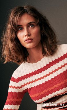Wavy Sassy Bob - 60 Most Delightful Short Wavy Hairstyles - The Trending Hairstyle Grunge Look, Grunge Style, 90s Grunge, Soft Grunge, Grunge Outfits, Hairstyles With Bangs, Straight Hairstyles, Haircuts, Tokyo Street Fashion