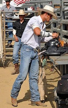 rodeo cowboy with bulge Rodeo Cowboys, Cowboys Men, Real Cowboys, Cowboy Love, Cowboy And Cowgirl, Cowboy Hats, Vintage Cowgirl, Hot Country Men, Cute Country Boys