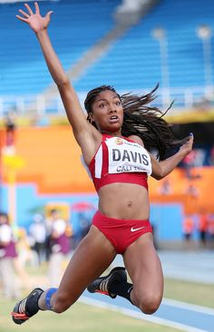 Tara Davis (USA) won gold in the long jump 2015 World Youth Championships Female Athletes, Women Athletes, Human Poses Reference, Long Jump, Cool Poses, Dynamic Poses, Olympic Athletes, Sporty Girls, Action Poses