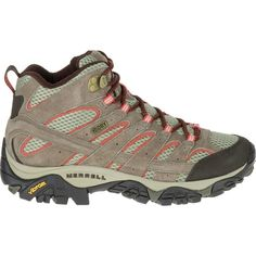 e5175a615a1 22 Best Waterproof hiking boots images in 2017 | Hiking, Viajes, Clothes