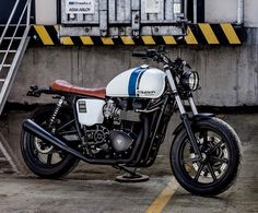 """« Mag wheels but still looks cool. This was our number 14, """"Spike"""". The white Macco one #macco #triumph #t100 #se #bonneville #scrambler #caferacer… »"""