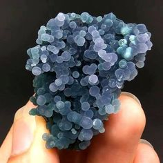 "here is a botryoidal Agate, informally called ""grape Agate"