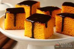 Receita de Bolo de cenoura especial com cobertura de chocolate em receitas de bolos, veja essa e outras receitas aqui!