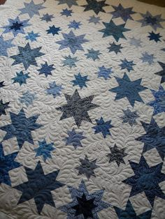 blue and white quilt from blog: Sew Kind Of Wonderful