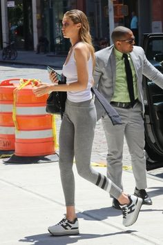 Gigi Hadid Photos - Model Gigi Hadid is seen stepping out in New York City, New York on July 19, 2016. Missing from the outing was her boyfriend, Zayn Malik. - Gigi Hadid Steps Out in NYC