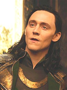 """""""I like her."""" #Loki His face though, hes pissed, he cant do anything about it. Butin the followoing scene you can see him stare her down in the background. The entire interaction is why Hiddelston is a damn Genius"""
