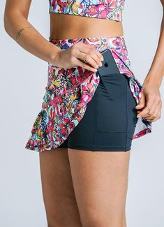The beloved JoJo Skirt has been updated with YOU in mind. Added deep side pockets on the interior short make storing running essentials a breeze. Sport Outfits, Cute Outfits, Clothing Store Displays, Cheap Boutique Clothing, Tennis Fashion, Workout Attire, Tennis Clothes, Active Wear For Women, Fitness Fashion