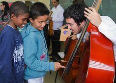 Instrumentos de cordas, madeiras, metais e até uma orquestra ficam mais próximos de 4 mil crianças de Piracicaba a partir de abril
