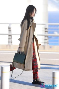 Han Hyo Joo, Asian Fashion, Duster Coat, Airport Outfits, Jackets, Style, Down Jackets, Swag, Outfits
