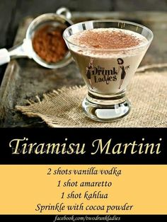 Yummy martini that tastes like the famous Italian dessert! Deb ♥ Yummy martini that tastes like the famous Italian dessert! Cocktails Bar, Liquor Drinks, Dessert Drinks, Cocktail Drinks, Alcoholic Drinks, Martinis, Desserts, Martini Party, Christmas Drinks