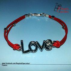 Pulsera LOVE #pulsera #love #roja #amor #romantica #plateada #regalos #personalizado @Regalo_Especial  https://www.facebook.com/RegalosEspeciales/