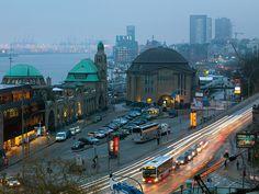 auch der Herbst bietet schöne Motive... Hamburg-Stadtansichten: http://www.bilderwerk-hamburg.de/category/hamburg-motive/hamburg-stadtansichten/