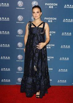 Natalie Portman Channels Her Inner Black Swan on the Red Carpet
