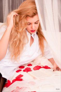 """"""" Pasión intelectual expulsa sensualidad """" . Leonardo Da Vinci Modelo: Pilar A. Fotografo: Erick. www.erickphoto.com"""