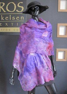 chal de seda y fieltro Celia Mikkelsen www.artefieltros.com