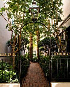 Travel :: The Charleston Food Scene Charleston Sc Restaurants, Historic Charleston Sc, Charleston Food, Great Restaurants, Travel Photographer, Destination Wedding Photographer, Peninsula Grill, Enchanted Home, Fine Dining