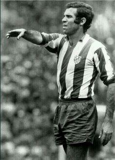 Luis Aragonés (Atlético Madrid, 1964–1974, 372 apps, 172 goals)
