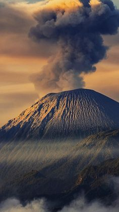 mountains_smoke_volcano_sky_84268_640x1136 | Flickr - Photo Sharing!