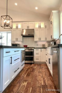 Kitchen Cabinets And Flooring, White Shaker Kitchen Cabinets, Glass Kitchen Cabinets, Wood Floor Kitchen, All White Kitchen, Black Kitchens, White Cabinets, Kitchen Reno, Kitchens With Wood Floors