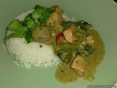 Thai green chicken curry Thai Red Chicken Curry, Thai Green Curry Paste, Thai Red Curry, Thai Recipes, Curry Recipes, Indian Food Recipes, Milk And More, Rind, Coconut Cream