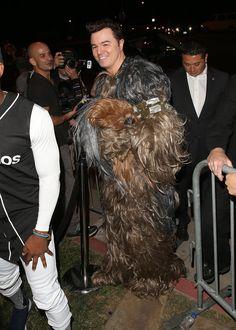 Pin for Later: Seht alle Halloween-Kostüme der Stars Seth MacFarlane as Chewbacca
