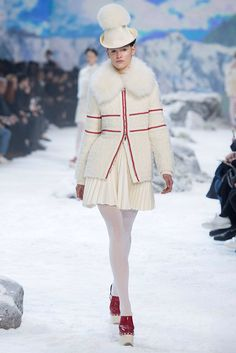 Moncler Gamme Rouge - PFW Fall/Winter 2016/2017