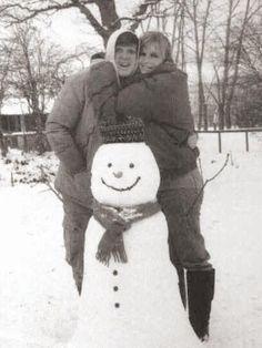 Paul and Linda McCartney made a snowman. Aww