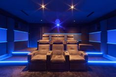 Creation of a private cinema in Aix en Provence My private cinema . Home Theater Room Design, Movie Theater Rooms, Home Cinema Room, Home Theater Decor, Best Home Theater, Home Theater Seating, Home Theater Speakers, Home Theater Projectors, Aix En Provence