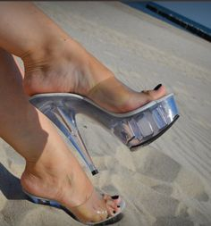 Beautiful High Heels, Beautiful Toes, Sexy Legs And Heels, Hot High Heels, Feet Soles, Women's Feet, Stripper Heels, Sexy Sandals, Clear Heels