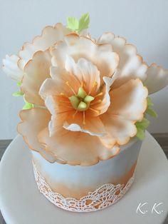 Fondant flower orange