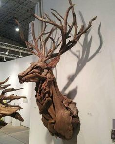American Artist Creates Art With Reused Wood And The Result Looks Magical Wood sculptures are not something new. However, this artist, Jeffro Uitto, who goes by the name Wooden Statues, Wooden Art, Wall Sculptures, Sculpture Art, Wooden Sculptures, Ribbon Sculpture, Driftwood Sculpture, Driftwood Crafts, Washington State