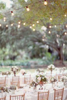 Guirnalda luces boda : via MIBLOG