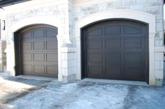 Garage Doors in wood - Portes de garage en bois - www.PortesBourassa.com