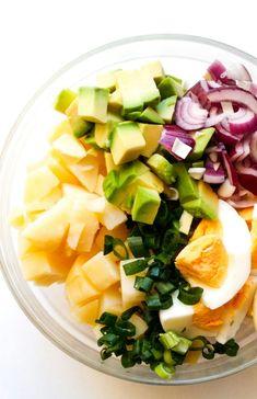 Ziemniaczana sałatka z jajkiem i awokado Cobb Salad, Cabbage, Favorite Recipes, Vegetables, Cooking, Travel, Ideas, Food, Kitchen