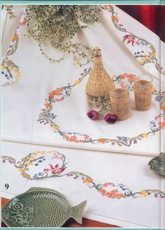 "Floral garland tablecloth (1 of 12) from the Spanish cross stitch magazine ""Punto de сruz"" #16  