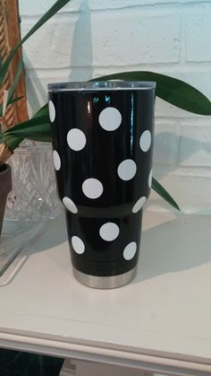 Custom painted yeti cup Diy Tumblers, Custom Tumblers, Silhouette Projects, Silhouette Cameo, Cup Crafts, Yeti Decals, Yeti Cup, Cute Cups, Vinyl Projects