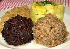 Zabijačkový prejt Snack Recipes, Cooking Recipes, Snacks, Czech Recipes, Ethnic Recipes, Food 52, Mashed Potatoes, Food And Drink, Meat