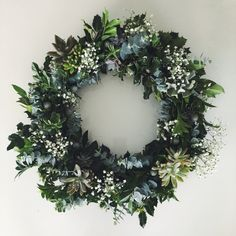 'Tis the time for #DIY succulent wreath making 🌿