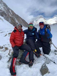 Δημιουργία - Επικοινωνία: Ορειβασία Αντώνης Συκάρης:Αγαπητές μου φίλες, αγ... Qatar Doha, Winter Jackets, Winter Coats, Winter Vest Outfits