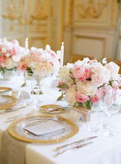 Wedding reception centerpiece idea; featured photographer: Vasia Photography
