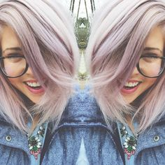 Smoky Lilac Is the Glam-Grunge Hair Color You Should Try - Beauty Secrets - Lilac Hair Hair Color Purple, Cool Hair Color, Green Hair, Pastel Lilac Hair, Silver Lavender Hair, Lilac Color, Blonde Color, Purple Roses, Blue Hair