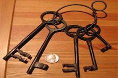 Set of 5 Pirate Skeleton Keys
