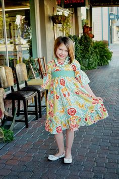 MICHELLE-Marissa's Perfect Peasant Dress Tween Sizes | Don't need the pattern--just for inspiration.(Use Simplicity 1595)
