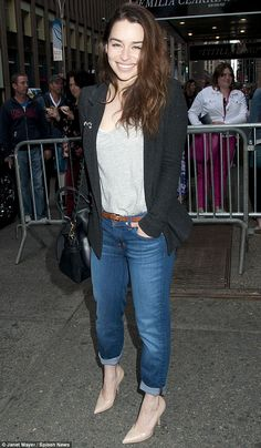 Khaleesi! Emilia Clarke not looking quite the Khaleesi, but still looking so pretty and chic in a smart casual outfit.