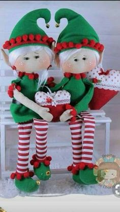 Christmas Elf Doll, Christmas Arts And Crafts, Felt Christmas, Christmas Projects, Christmas Home, Christmas Ornaments, Christmas Centerpieces, Christmas Decorations, Doll Patterns Free