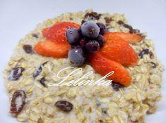 Domácí kaše z ovesných vloček Domestic oatmeal porridge